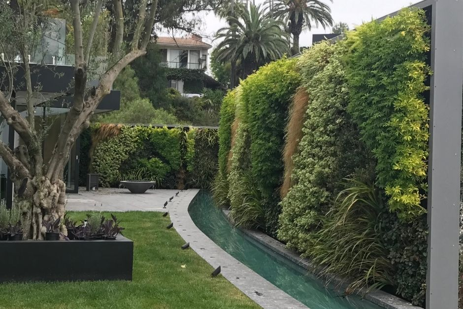 An outdoor Bel Air greenwall